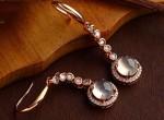 翡翠耳环通常都镶嵌什么金属?其特点分别都是什么?