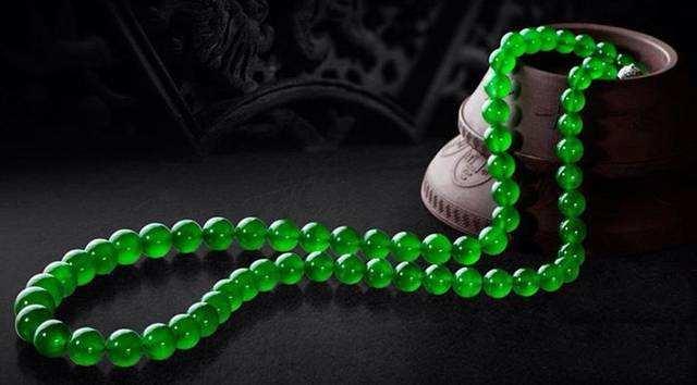 帝王绿翡翠
