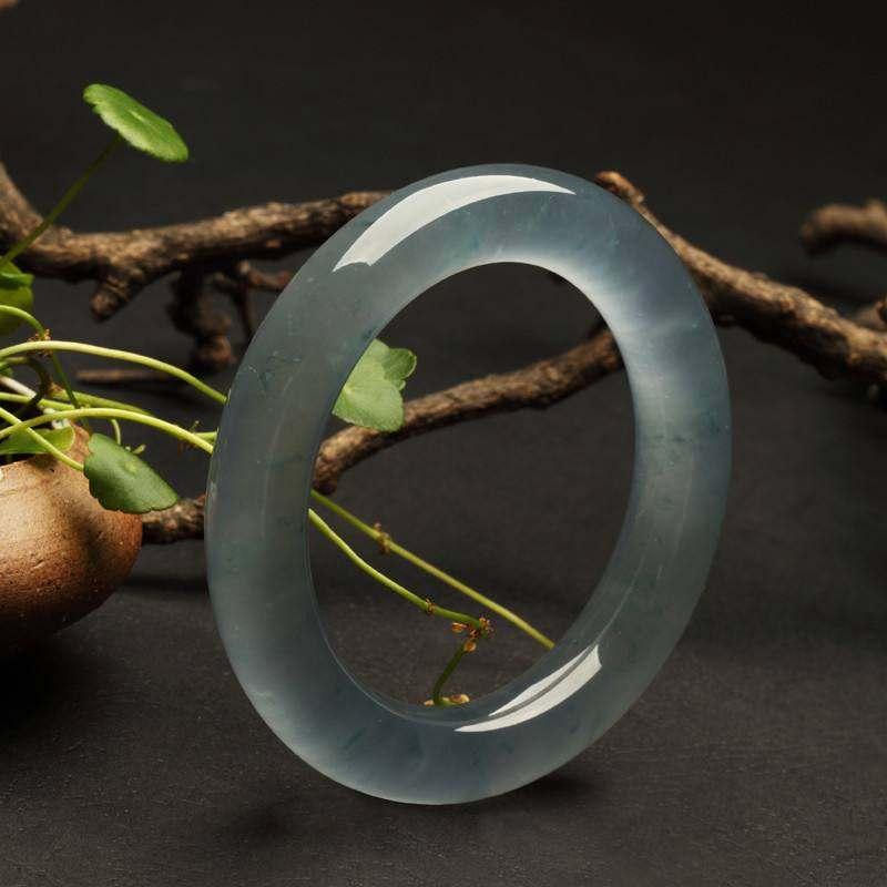 用这个方法鉴别老坑玻璃种翡翠,简单实用!